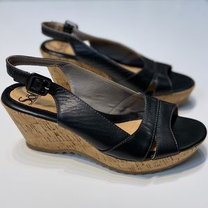Sofft Black wedge sandals